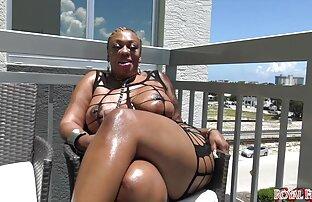Wanita pirang cantik memberikan xxx jepang pembantu oral seks pada jawa.