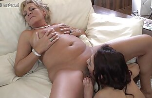 Hottie bermain dengan japan dog sex tube makanan dan pus-Twistys
