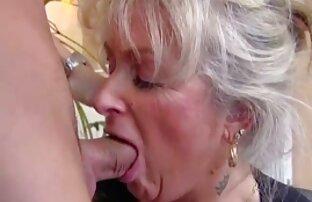 Alice Marques yang kurus melakukan masturbasi dan masuk ke bak mandi video sex jepang porn