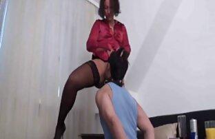 Empat MILFs horny satu sama lain dan berbagi dua penis sex video porn jepang keras.