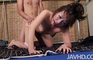 Sekelompok porn japan extrem banci memakai seorang pria.